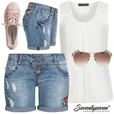 Weniger ist mehr! . #77onlineshop #styleboom #seventyseven #frauenoutfits #damenoutfits #sommeroutfits #sommerlook #ootd #outfitoftheday #jeansshort #short #ootd #outfitoftheday #chiffontop #chiffon