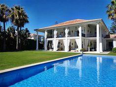 Gigantische Villa mit 7 Schlafzimmern für 14 Personen in Nueva Andalucia. #Marbella Indoor und Outdoor Pool. Nahe #Golfplatz http://www.ferienwohnungen-spanien.de/12876