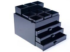 Caixas | Hubby | Caixas em acrílico personalizadas, organização de espaços e assessoria para recém casados.