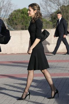 Queen Letizia Sports Bold Snakeskin Pumps While Attending the Opening of Spanish Parliament Fashion Tights, Fashion Outfits, Gothic Fashion, Black Stockings Outfit, Pantyhose Heels, Nylons, Estilo Real, Laetitia, Royal Dresses