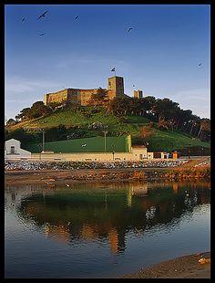 . Reflejos del Castillo de  SOHAIL, Fuengirola, España.- ….Reflections of a Castle por ToniMolero07 (in Very Happy Stand By).