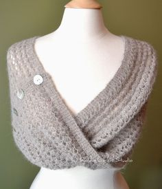 Knitting Pattern - Lesia Loop, can someone make me this please?!
