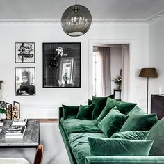Image discovered by 𝒮. Find images and videos about home, interior and decor on We Heart It - the app to get lost in what you love. Living Room Green, Living Room Sofa, Living Room Interior, Home Living Room, Apartment Living, Living Room Designs, Living Spaces, Apartment Sofa, Kitchen Interior