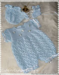 Trendy Ideas For Knitting Baby Set Crochet Dresses Knit Baby Sweaters, Knitted Baby Clothes, Baby Doll Clothes, Knitting For Kids, Baby Knitting Patterns, Baby Patterns, Knit Baby Dress, Baby Cardigan, Knitted Baby Romper