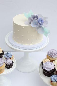 Frosted Wedding Cake #weddingcakes