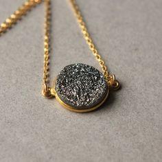 Argento collana Druzy, riempimento oro collana, Collana ciondolo Druzy grigio metallizzato Druzy on Etsy, 30,58€