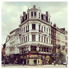 pic by @ antwerpen Nationalestraat