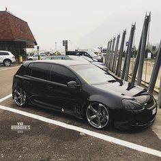 "4,682 Synes godt om, 12 kommentarer – vw.buddies ™ // worldwide (@vw.buddies) på Instagram: ""⚫️ mk5 GTI all black Awesome car do you like it?! buddy: @lomba_gti -–—–- • [PARTNER]…"""