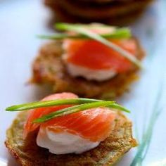 These smoked salmon potato latkes are the epitome of sophistication and always ragingly popular with guests. Quick Dinner Recipes, Appetizer Recipes, Appetizers, Belini Recipe, Smoked Salmon Spread, Nibbles For Party, Salmon Potato, How To Make Potatoes, Finger Food