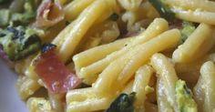 Casarecce con zucchine e speck Prosciutto, Ravioli, Macaroni And Cheese, Chicken, Ethnic Recipes, Food, Mac And Cheese, Eten, Meals