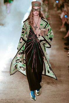 See the full Gucci Resort 2019 collection.