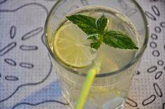 Brændstof: FESTLIG DRIK: Forfriskende lemonade med lime & mynte fra haven (hvem sagde Mojitos!?)