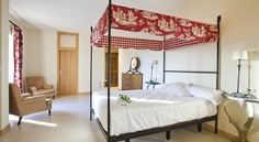 Habitación del hotel Villa Marcilla :: Descubre Navarra, Turismo en Navarra