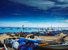 """stef_travelphotography: """"Jimbaran Fish Market Bali One of my best travelling experience ever was at the Kedonganan Beach south of the #Bali Airport. I was riding my scooter there to see the famous #fishing market but I was unsure what to expect. It was actually quite dark.  I went instead to a nearby shed for a beer and the guy somehow explained me (just through hands signals) that if I wanted to eat anything I had to go myself to the market to buy the fish as he would only cook it. He made…"""