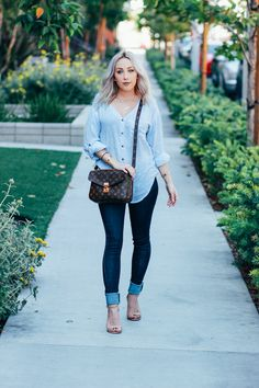 Blondie in the City | Chambray Button Up with Dark Denim Jeans from @anglclothing | Louis Vuitton Pochette Metis