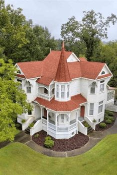 1887 Victorian For Sale In Warrior Alabama – Häuser - architecture house Victorian House Plans, Victorian Style Homes, Victorian Houses For Sale, Victorian Farmhouse, Victorian Decor, Victorian Architecture, Architecture Design, Beautiful Buildings, Beautiful Homes