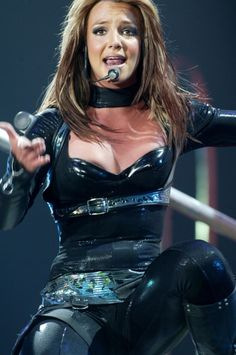 britney spears- the onyx hotel tour
