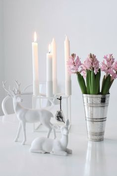 White Christmas table decor | Mitt Vita Hus, December 2013 [Original post in Swedish]
