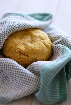 Calzones Rotos (al horno) - El Sabor de lo Bueno Chilean Recipes, Bread, Chi Chi, Food, Breakfast, Pastries, Breads, Bakeries, Meals