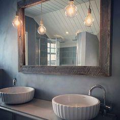 Speil fra oss. Foto: @minvillanord www.drivved.no  Håndlaget av oss, bare for…