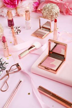 Ted Baker Christmas Gift Set, Pink Flatlay, Flatlay, Flatlay inspiration, Beauty photography, Beauty product styling, blog photos, blog photo inspiration, how to take flatlays, rose gold, christmas flatlay,