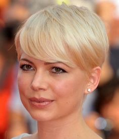 Michelle Williams Pixie Short Hair Cut | Hairstyles, Easy Hairstyles For Girls