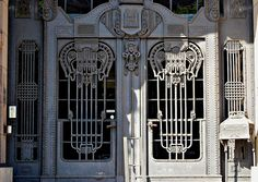 Puerta y Buzon de Hierro by tetegil, via Flickr