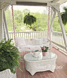 Most Simple Ideas Can Change Your Life: Contemporary Shabby Chic Living Room small shabby chic office.Shabby Chic Bedding For Girls shabby chic style clothing. Shabby Chic Veranda, Casas Shabby Chic, Shabby Chic Porch, Shabby Chic Interiors, Shabby Chic Homes, Shabby Chic Furniture, Shabby Chic Decor, Pink Furniture, Porch Furniture