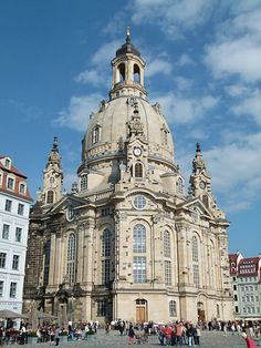 Die Frauenkirche in Dresden 1 - Architecture of Germany - Wikipedia, the free encyclopedia Baroque Architecture, German Architecture, Neoclassical Architecture, Ancient Greek Architecture, Historical Architecture, Beautiful Architecture, Architecture Design, Kirchen, Monuments