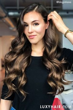 How to Big Voluminous Curls Whether your hair is thin and straight or thick and curly like Sarah s these tips will leave you with big hair and a bigger sense of confidence Big Curls For Long Hair, Long Curls, Curls For Straight Hair, Big Waves Hair, Big Loose Curls, Short Hair, Wavy Curls, Tight Curls, Volume Curls
