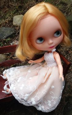 Light pink dress for MOMOKO and BLYTHE dolls by ZomiDollClothes
