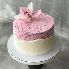 by Bewerte den Kuchen von 1 bis … – Repost @ fridayscake.by Rate the cake from 1 to … – Beautiful Birthday Cakes, Beautiful Cakes, Amazing Cakes, Cake Decorating Techniques, Cake Decorating Tips, Cake Decorating Amazing, Unique Cakes, Creative Cakes, Gateau Aux Oreos
