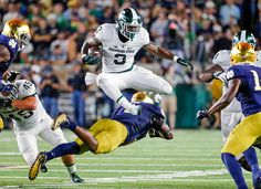 Michigan State hangs on for win over Notre Dame Notre Dame Football, Michigan State Football, College Football Season, Football Fans, Football Helmets, Wnba, Ole Miss, Sports Betting, Sports News