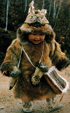 鄂伦春 Oroqen minority child, N-E China.