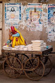 india, shop on wheels. Expo Milano 2015, Expo 2015, India Street, Mother India, Amazing India, Mughal Empire, India People, Purple Love, India Travel