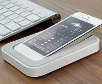 パソコン操作しながら、横でiPhoneも活用したい人にオススメの充電トレイ !「saidoka」 - iPhone女史