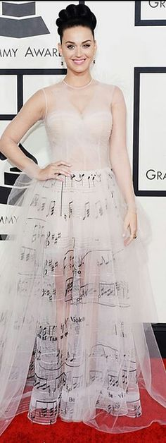 KATY PERRY LOOKS ON GRAMMY AWARDS 2014.