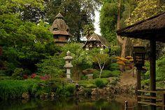 Parc Oriental de Maulevrier - env. 10 km de Cholet Garden Features, Parcs, Lanterns, Japanese, France, House Styles, Nature, Garden, Exit Room