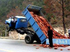 #HumorArquitectura todo tienen capacidad de carga, si no suceden accidentes jajajaja !!! :D #diversion #arquitectura