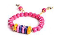 Bransoletka - drewno i howlit - pink howlite and wood beaded stretch bracelet http://corallia.pl/bransoletki/bransoletka-drewno-i-howlit.html#.VNn40S7Hg2g