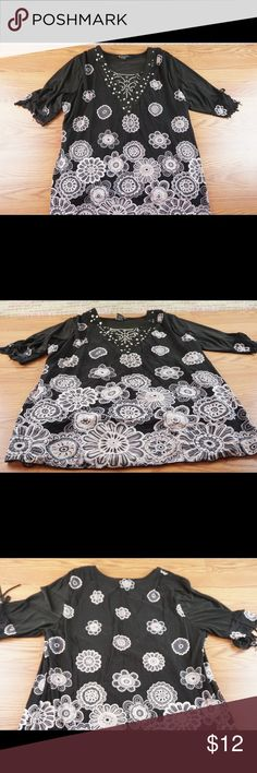 🌺top🌺 Very nice has shoulder pads. Very comfy and nice Tops Blouses
