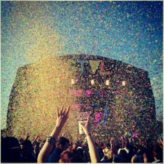 Ridiculous confetti explosion during Sven Vath's set on Cocoon Heroes stage at We Are FSTVL :)