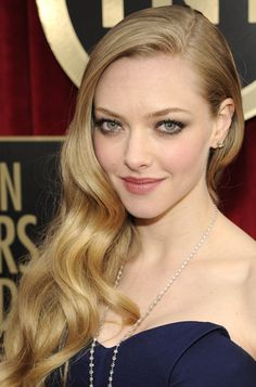 ***SAG AWARDS EDITION***  Amanda Seyfried Hair Color Formula - 1) Base:  8AH (1/2oz)  10AH (1/2oz)  9N (1oz)  Silver Concentrate (1/2oz)  Mix with: 40 volume (2 1/2oz)  2) For Added Highlights/Balayage:  1 Scoop of White Powder with 2 Scoops of 10 volume creme activator  Process: 15 minutes under dryer (104-106°F), 15 minutes cool down   [Continued]