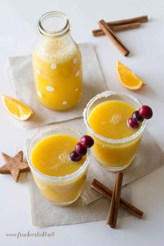 At the moment, it& extremely cold in Berlin so I need a hot drink with a touch of Christmas. How about a Christmas drink with cinnamon and orange? <tr Pinner Tanja Stahl Quelle Bildgröße 170 x 255 Boardname Kochrezepte Ansichten 114 - Healthy Eating Tips, Healthy Drinks, Healthy Snacks, Healthy Recipes, Free Recipes, Christmas Drinks, Holiday Drinks, Drinks Alcohol Recipes, Non Alcoholic Drinks