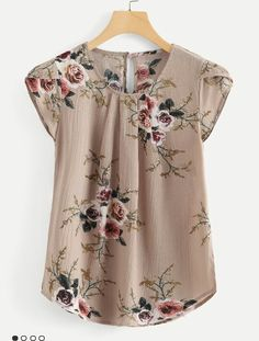 SheIn offers Petal Sleeve Floral Print Curved Hem Blouse & more to fit your fashionable needs. Floral Tops, Floral Prints, Floral Blouse, Petal Sleeve, Pleated Fabric, Pleated Shirt, Blouse Online, Plus Size Blouses, Print And Cut