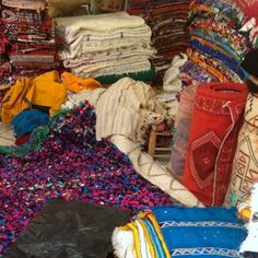 Today I'm tackling an important subject you've probably asked yourself while planning a visit to Morocco...what should I buy? It's true we have some a