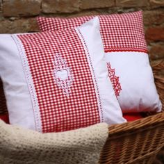 Ja spravím Vankúšik SRDIEČKO za 20€ | Jaspravim.sk Throw Pillows, Cushions, Decorative Pillows, Decor Pillows