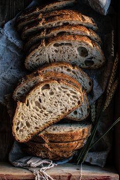 Pan básico, mi primer pan de masa madre Basic bread, my first bread of sourdough Sourdough Recipes, Sourdough Bread, Bread Recipes, Pain Au Levain, Spoon Bread, Pastry And Bakery, Artisan Bread, Bread Rolls, How To Make Bread