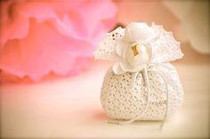 Wedding favor  Crochet  White bag di LeCrochetdOr su Etsy, $12.00