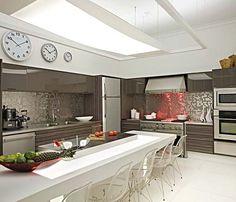 Construindo Minha Casa Clean: 13 Ideias de Relógios na Decoração da Cozinha!